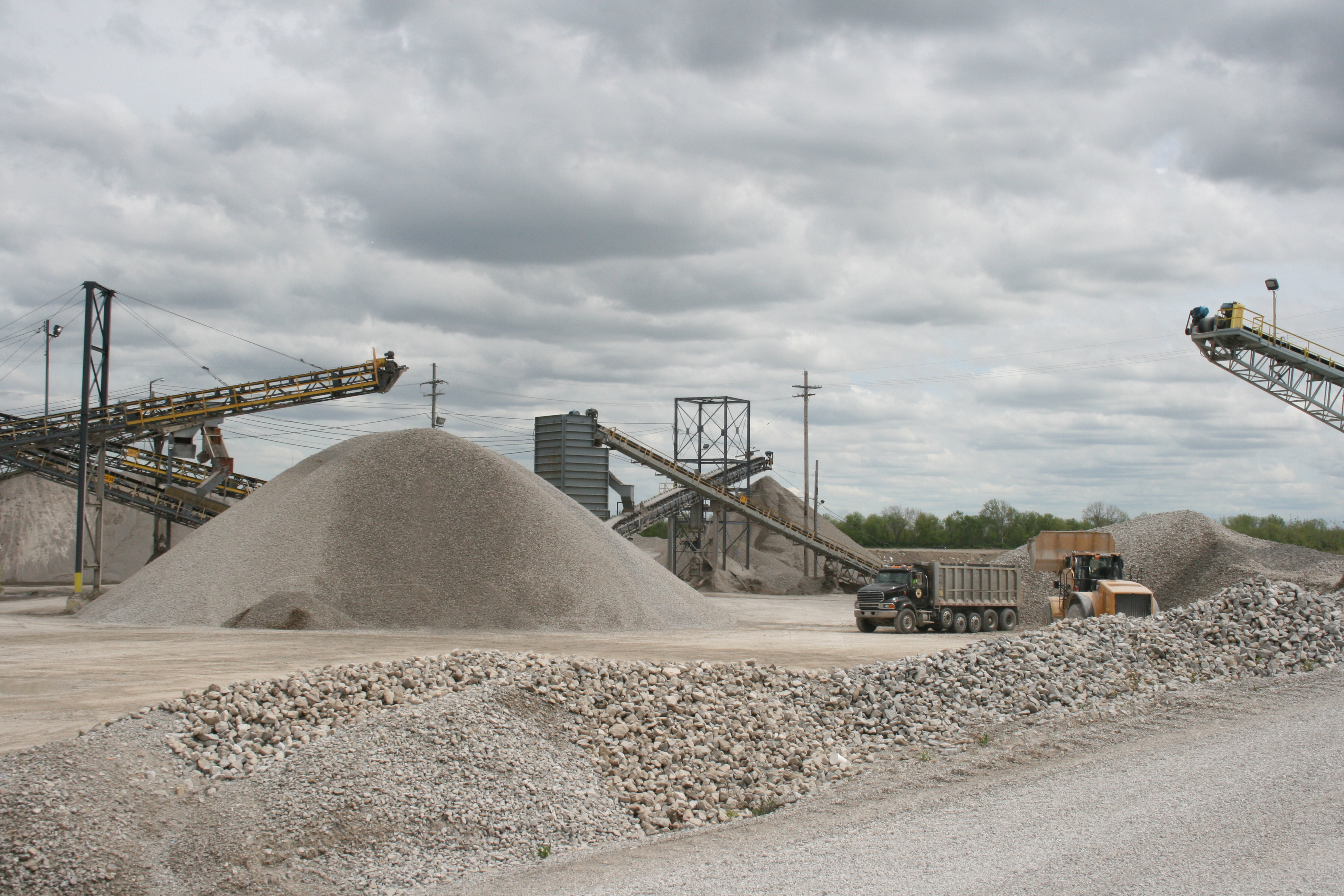 Building Sand Stone : What is sand and gravel used for shelly company